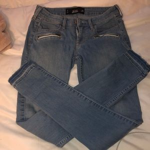 Hollister Size 1 Skinny jeans
